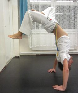Instrutor Cabeludo - Capoeira Debrecenben