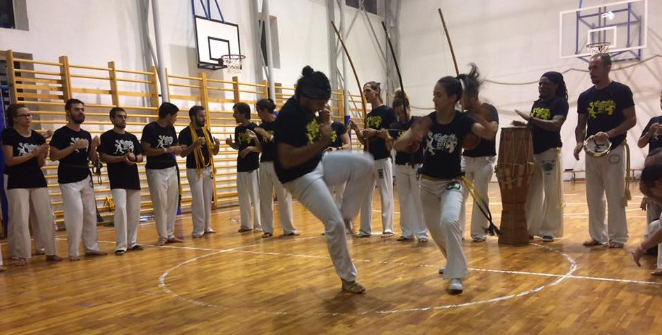 capoeira roda - Monitor Coruja X Monitora Mexicana